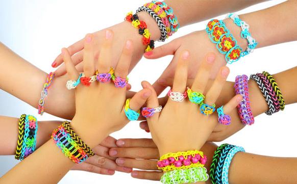 плетение цветных браслетов
