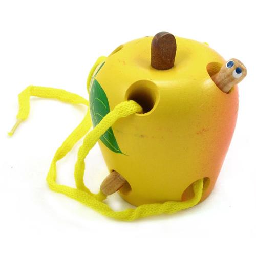 Игрушка для детей шнуровка